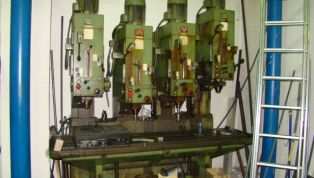 Powerful_four-spindle_drilling_machine_WMW-13004.jpg