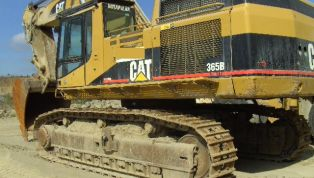 CATERPILLAR_CAT_365_B-11055.jpg