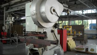 Open-side_crank_press_single-action_Model_KD_100_tons_in_2330-12486.jpg